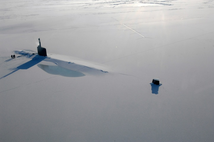 USS Annapolis rests in the Arctic Ocean after surfacing through three feet of ice